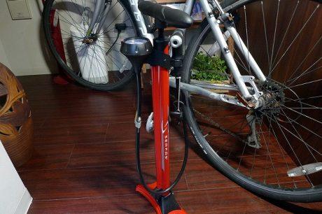 自転車の空気入れポンプ