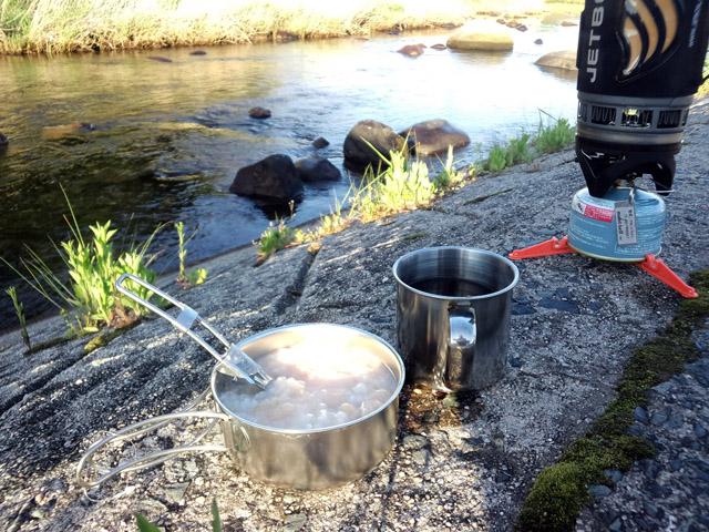 お湯を沸かして朝飯