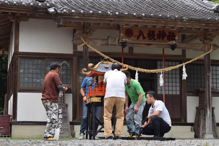 高鍋町の八坂神社夏祭りの準備