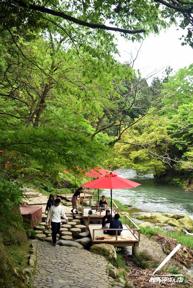 山中温泉の川床