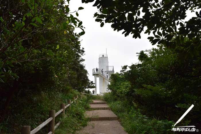 生月島の大バエ灯台