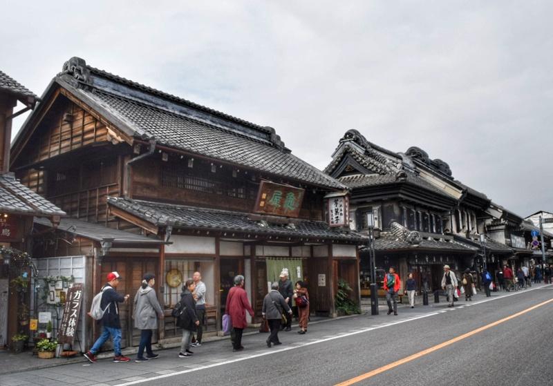 埼玉県川越市の小江戸の街並み。古い建物が建ち並ぶ