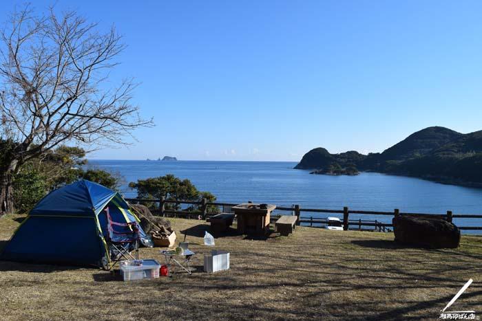 日向市にある無料のキャンプ場での朝。眺めはいいです。