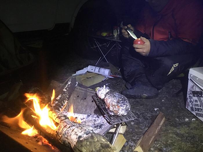 キャンプはやっぱりバーベキューでしょう